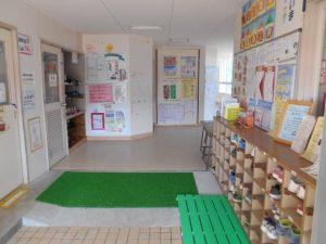 旭町児童館の玄関写真